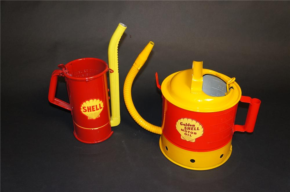 Lot of two vintage 1920s-30s restored Shell Oil handy oilers with flexible spouts. - Front 3/4 - 151844