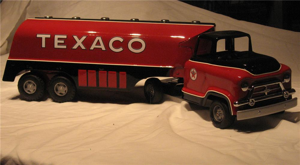 Authentic 1950s Buddy-L Tanker truck custom painted in Texaco colors. - Front 3/4 - 151963