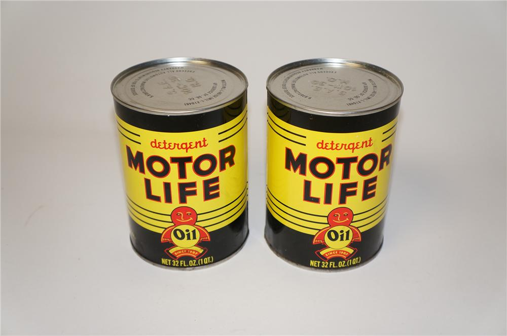 Lot of two 1950s Motor Life Detergent Motor Oil metal quart cans.  Fabulous condition and colors. - Front 3/4 - 154515