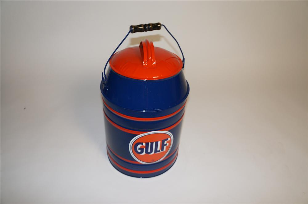 Sharp 1930s restored Gulf Oil five gallon gas/oil container with fluid. - Front 3/4 - 154660