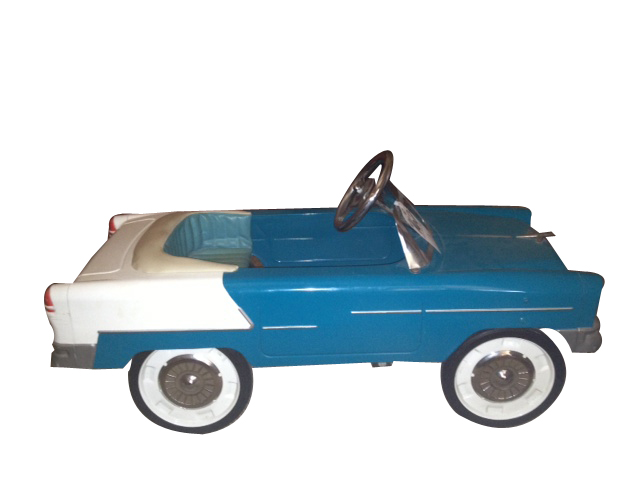Very cool 1955 Chevrolet Bel-Air convertible pedal car with fantastic period two/tone paint finish. - Front 3/4 - 154755