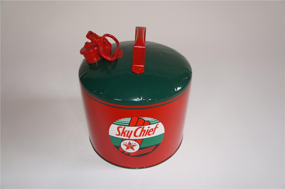 Nicely restored 1940s Texaco Sky Chief oil/gasoline service department safety can. - Front 3/4 - 158014