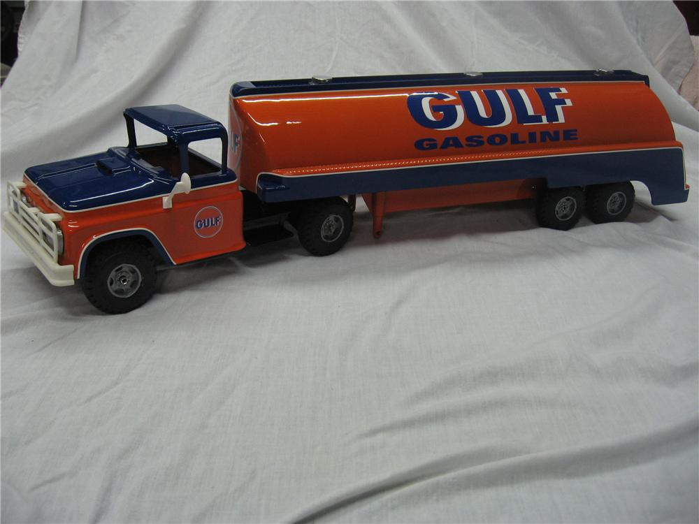 Custom 1950s Toy Tanker restored in Gulf Regalia and worthy of any museum. - Front 3/4 - 158293