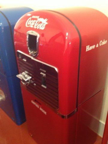 Rarely seen 1940s Coca-Cola Vendo 27 restored soda machine with bottle case cabinet attached. - Front 3/4 - 158343
