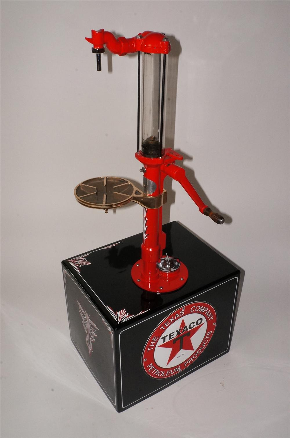 Beautiful 1920' restored Texaco Oil Bowser counter-top oil/kerosene hand pump filling station dispenser with glass cylinder. - Front 3/4 - 162127