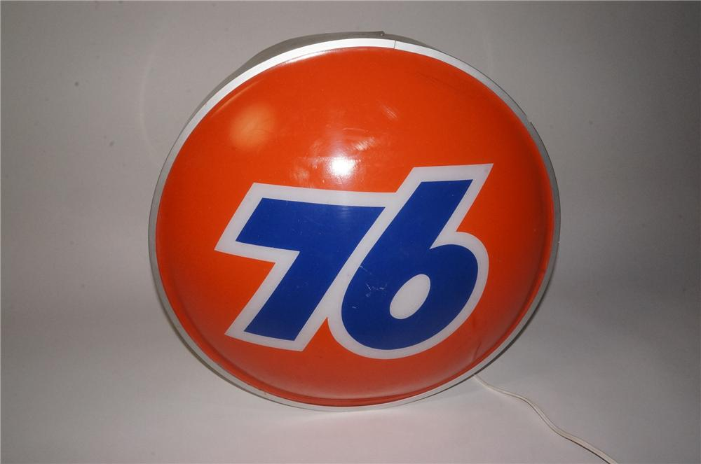 Choice 1960's-70's Union 76 single-sided three dimensional light-up service station sign. - Front 3/4 - 162782
