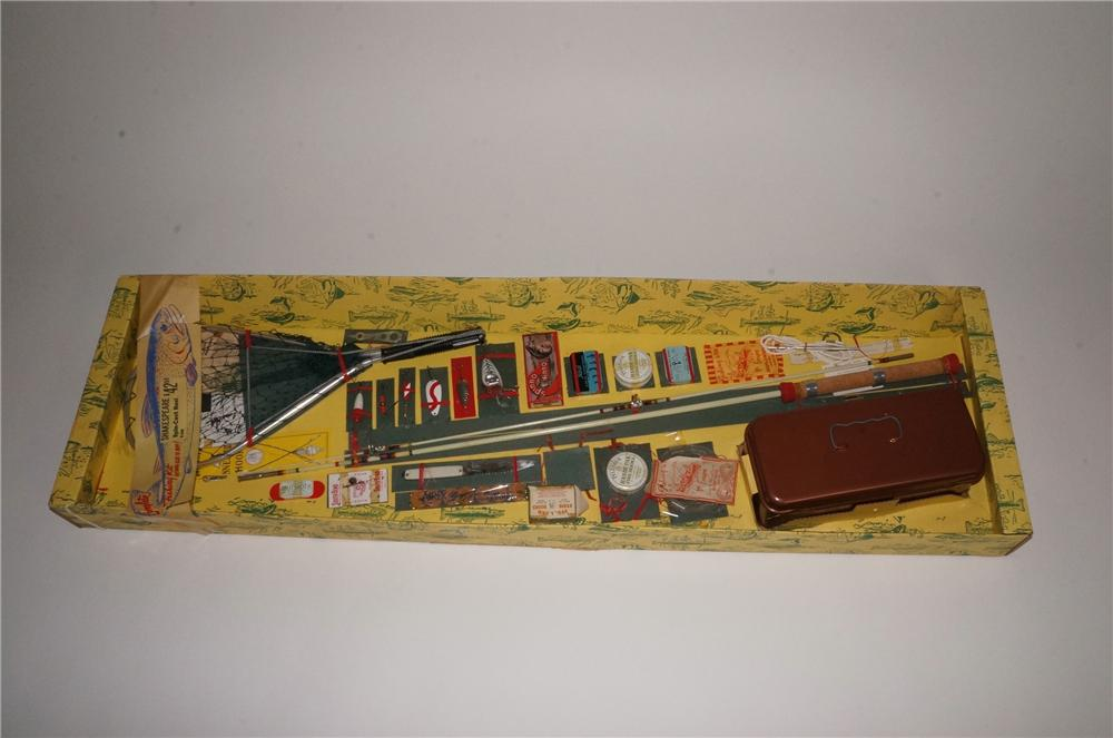 N.O.S. 1950's Shakespeare store display fishing kit still new and unused! - Front 3/4 - 163099