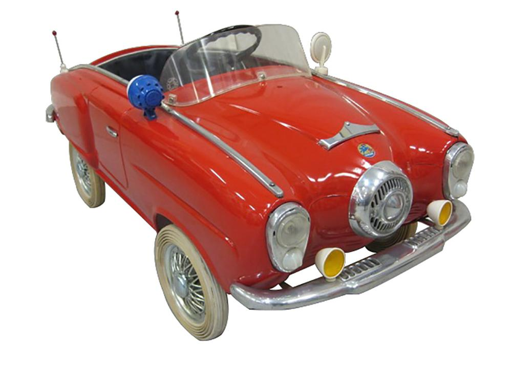 Exceptional all original 1951 Studebaker pedal car by Giordani Toy Company of Italy. - Front 3/4 - 163153