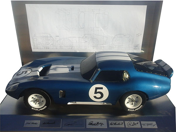 Sharp 1/4 scale Shelby Daytona Coupe No.5 with blue print.  Includes authentic signatures. - Front 3/4 - 163191