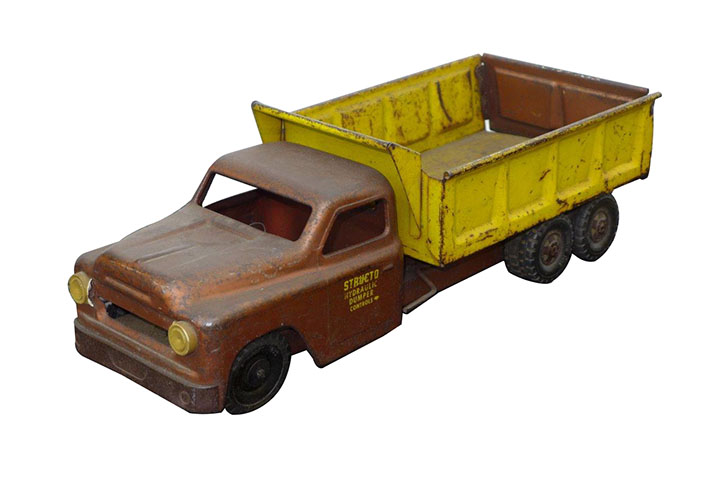 1950s Structo Toys dump truck found in all original condition. - Front 3/4 - 163195