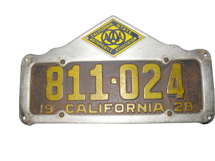 1928 California License plate with period California State Automobile Association license plate frame with porcelain enamel badge. - Front 3/4 - 163199