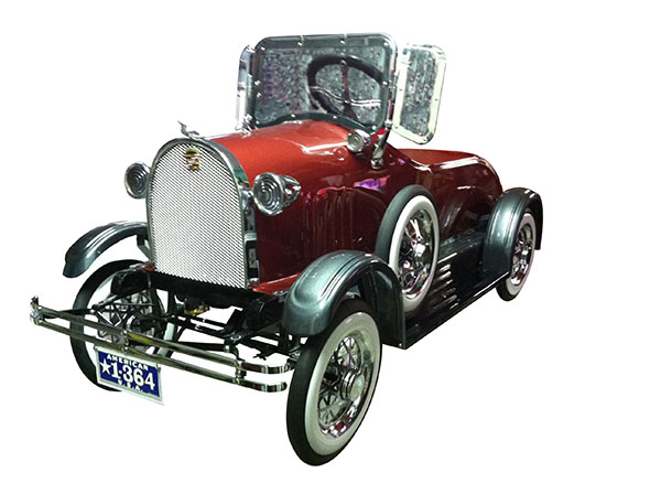 Show stopping 1930's American National Cadillac pedal car by McLaren Classic Restorations. - Front 3/4 - 163208