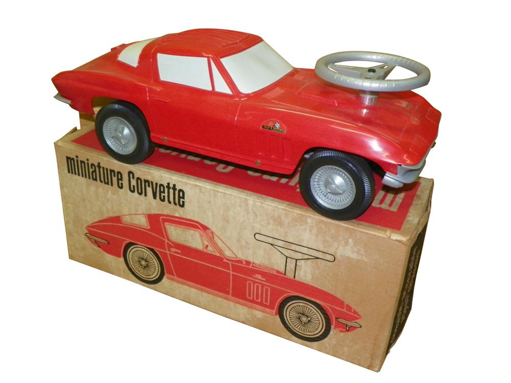 N.O.S. 1966 Corvette by Republic Tool and Die.  Still in the original box with copy of letter to dealers. - Front 3/4 - 163286