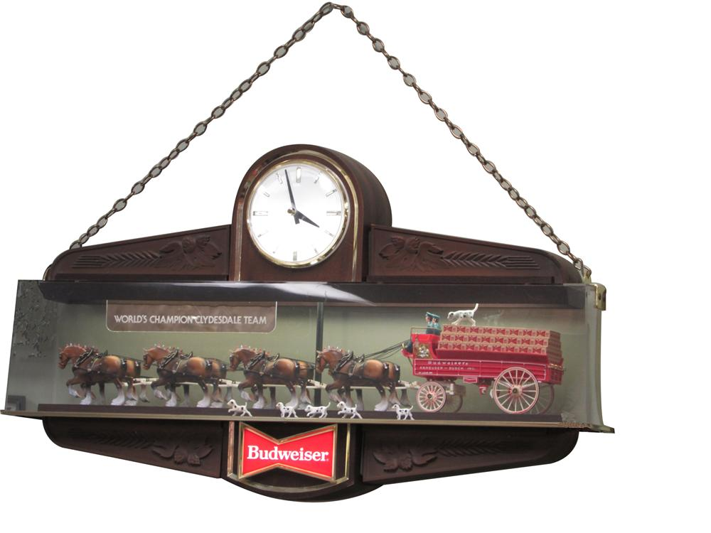 Rare lighted classic Budweiser World champion Clydesdale Team and Beer wagon light-up tavern sign. - Front 3/4 - 163365