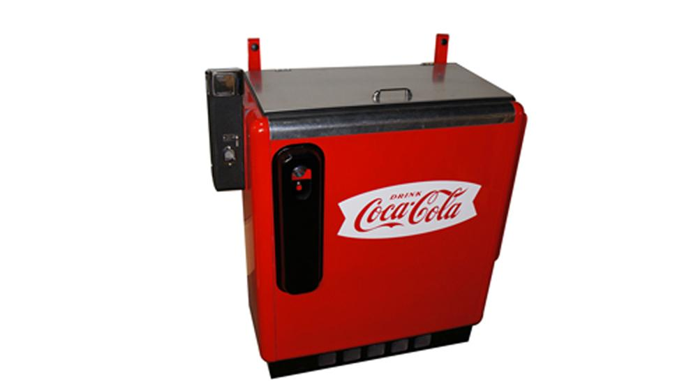 Nicely restored 1950's Coca-Cola Glasco ten cent slider bottle soda machine. - Front 3/4 - 170590