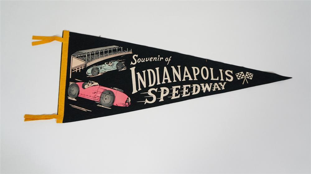 1930's-40's Indianapolis Speedway souvenir race pennant with killer graphics. - Front 3/4 - 170718