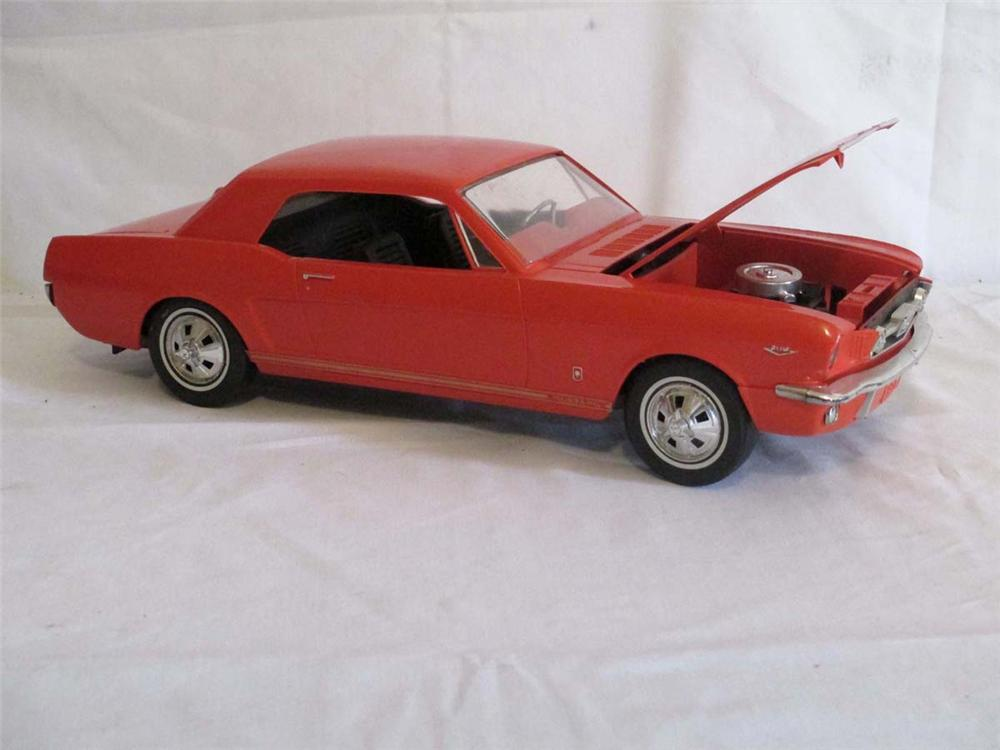 1966 Wen Mac Ford Mustang dealer promotional model with 289 motor in excellent condition. - Front 3/4 - 170890