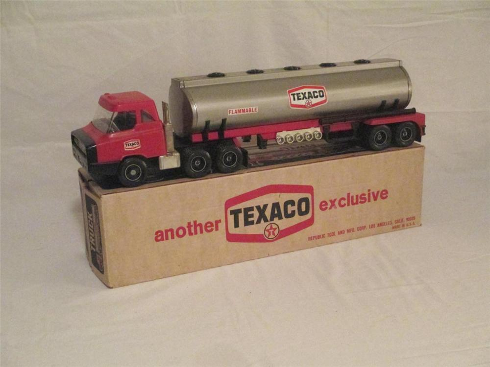 N.O.S. 1970's Texaco dealer promotional tanker truck and trailer found din the original box. - Front 3/4 - 170902