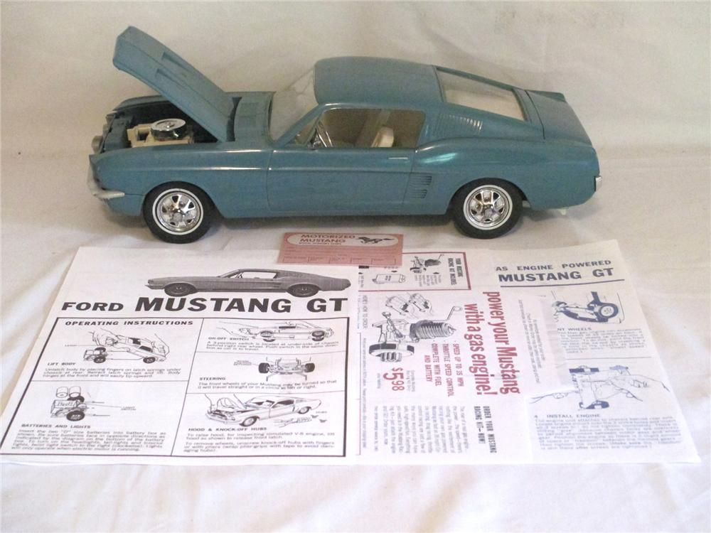 1967 AMF Wen-Mac 289 battery operated Ford Mustang GT Fastback. - Front 3/4 - 174897