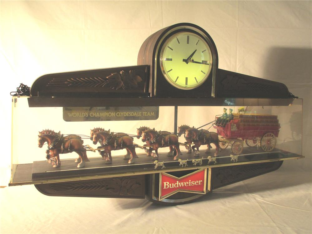 "Budweiser ""World Champion Clydesdale Team"" double-sided lighted tavern clock. - Front 3/4 - 174899"
