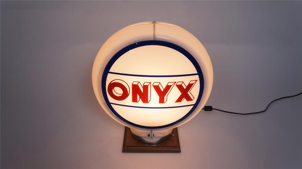 Choice late 1940's-50's Onyx Gasoline of Texas gas pump globe in a Capcolite body. - Front 3/4 - 174995