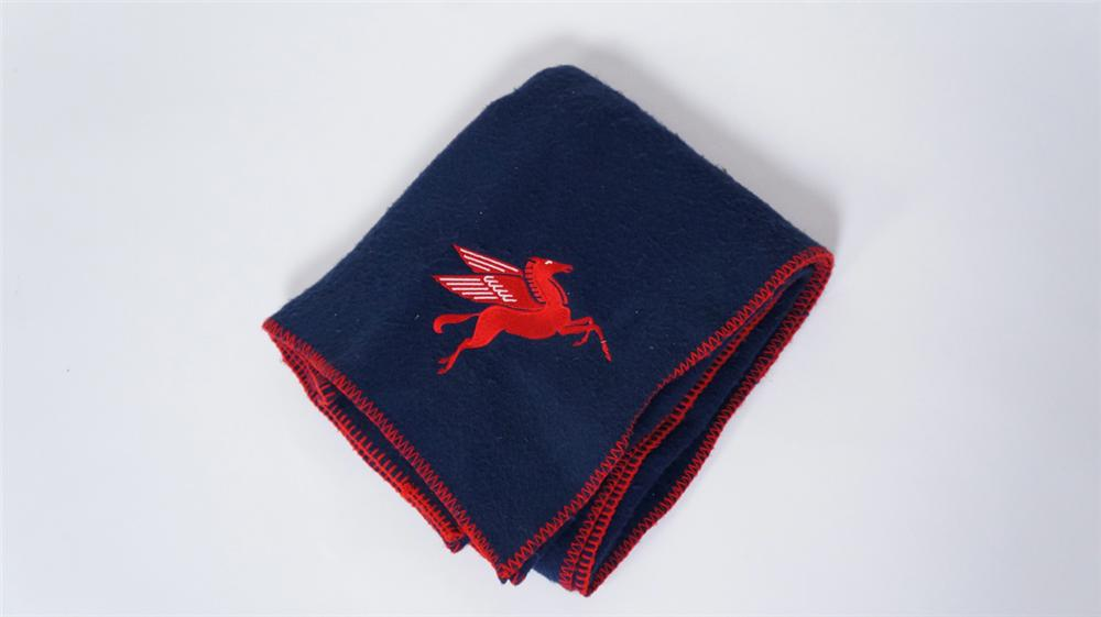 Nifty 1940's-50's Mobil Oil dealer promotional stadium blanket with embroidered Pegasus logo. - Front 3/4 - 175027