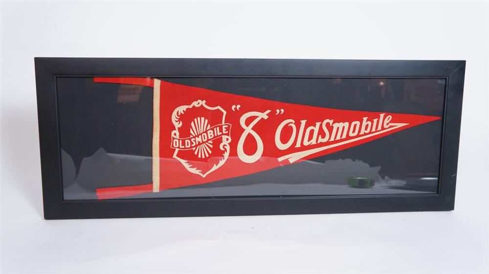 "Wonderful late 1920's Oldsmobile ""8"" showroom sales pennant. - Front 3/4 - 175031"