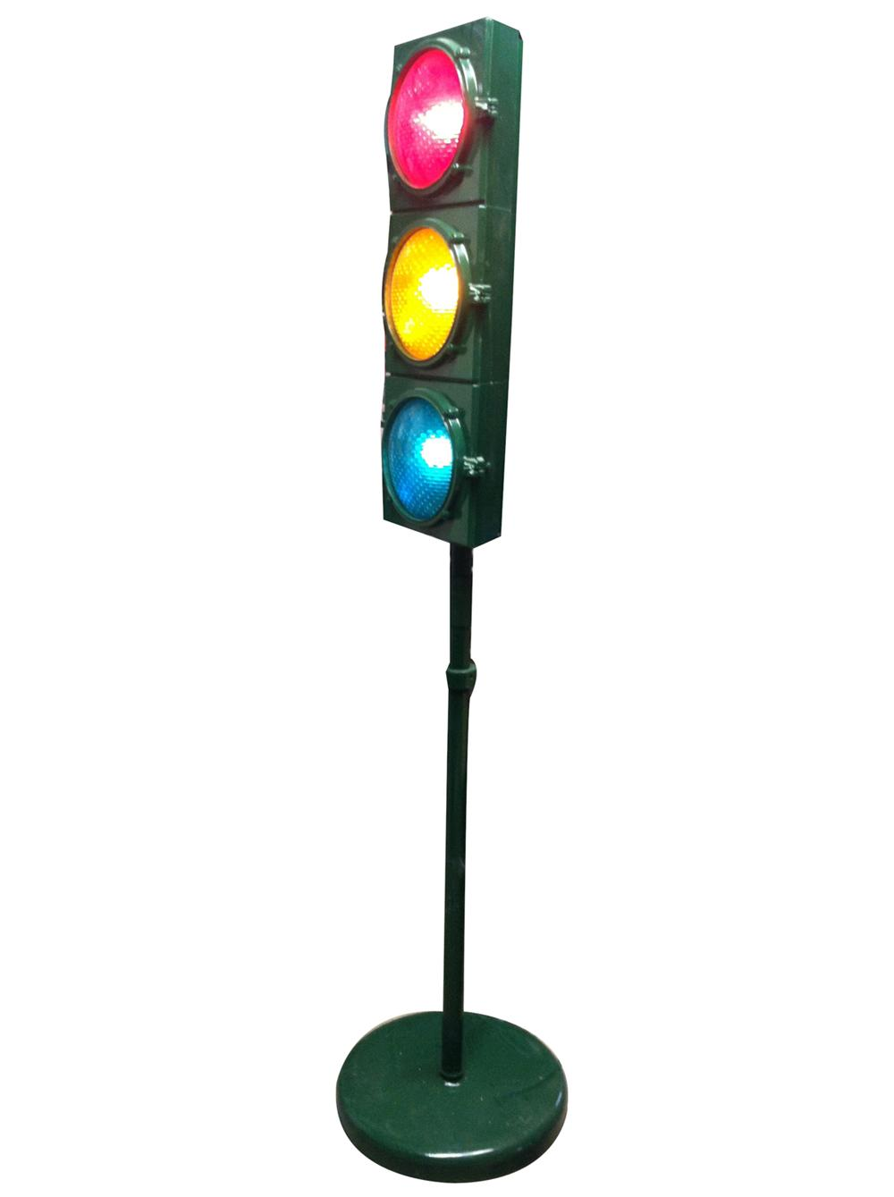 Beautifully restored vintage traffic lights mounted on pedestal base with working lights. - Front 3/4 - 175090