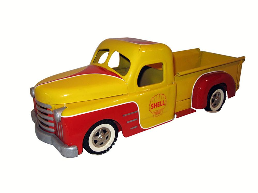 1950's Structo Toy Truck custom painted as a Shell Oil delivery pick-up. - Front 3/4 - 175105