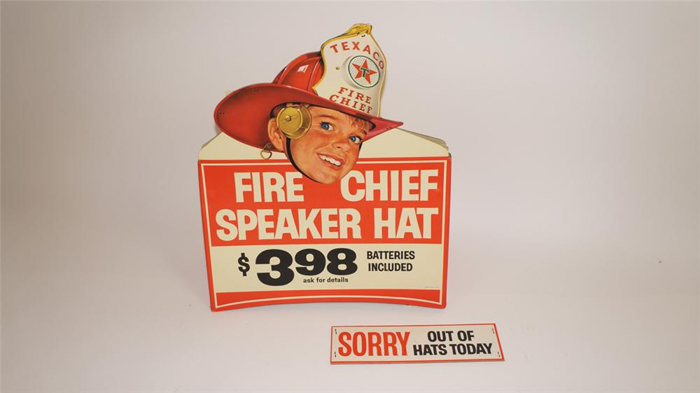 Impressive N.O.S. 1964 Texaco Oil Fire Chief promotional helmet store display cardboard - Front 3/4 - 177839
