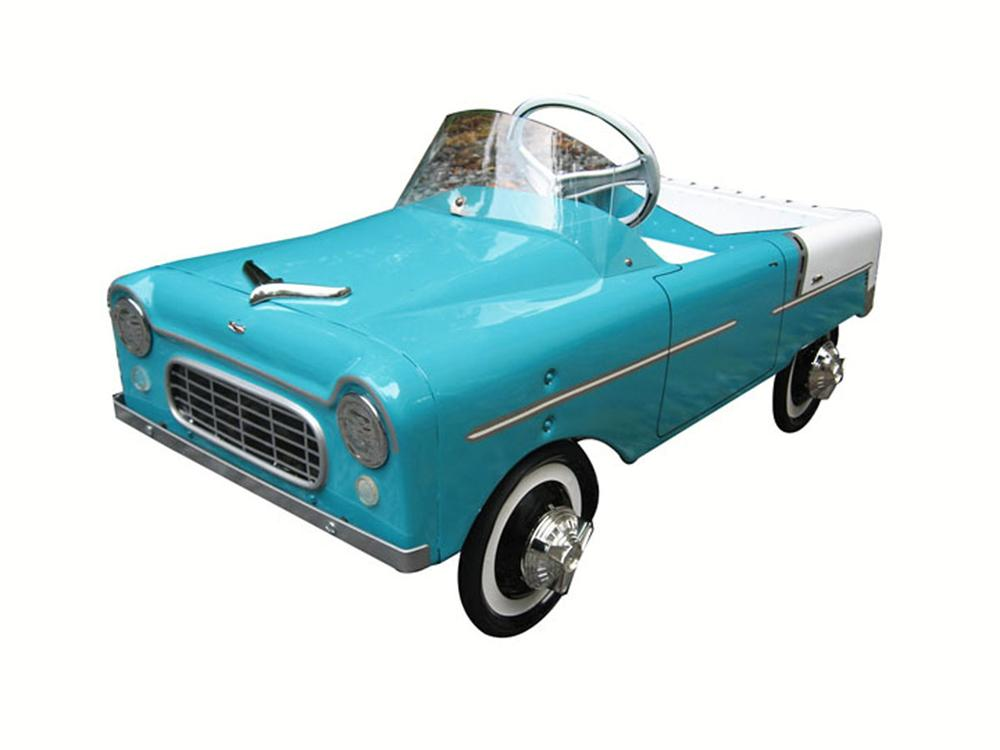 Absolutely gorgeous AMF pedal car - Front 3/4 - 177910