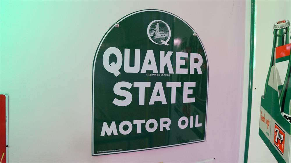 N.O.S. Quaker State Motor Oil double-sided die-cut tin tombstone shaped sign. - Front 3/4 - 178737