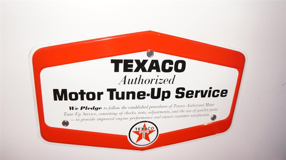 N.O.S. late 1950's Texaco Tune-Up service single-sided tin sign. - Front 3/4 - 178844
