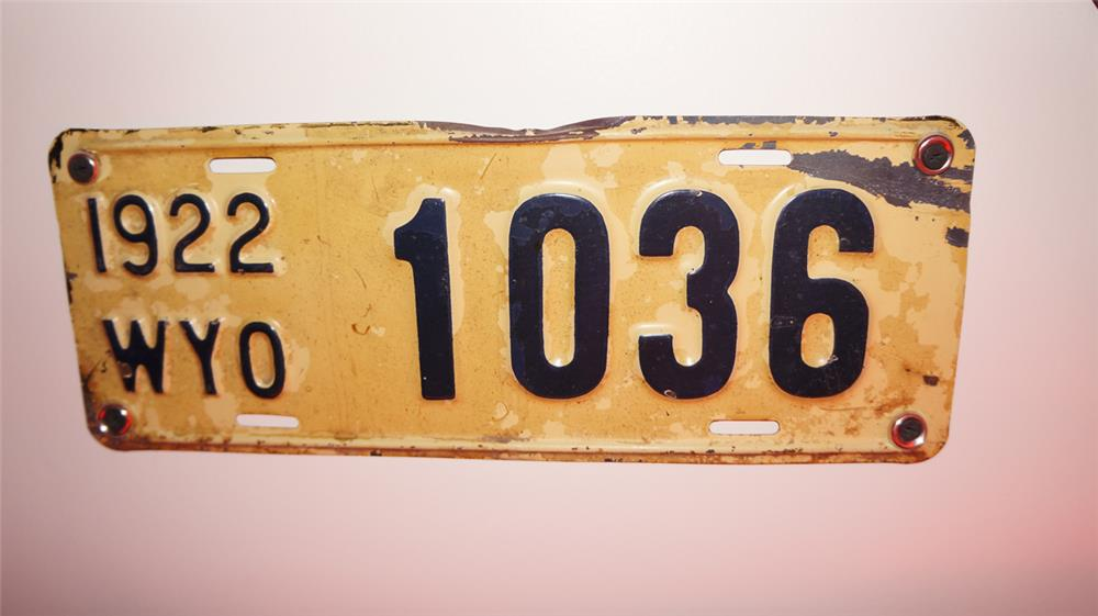 1922 Wyoming Automobiles pressed steel license plate - Front 3/4 - 178902