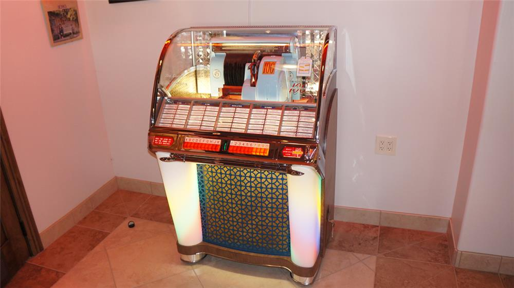 Awesome 1953 Seeburg G restored 100 select-o-matic diner juke box. - Front 3/4 - 178994