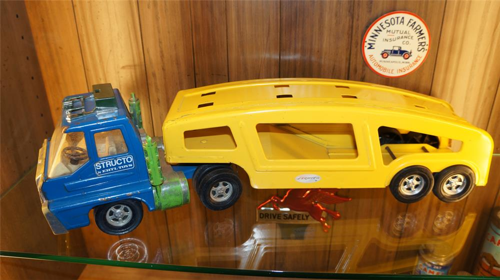 Late 1960's Structo toys by Ertl toy car hauler. - Front 3/4 - 179024