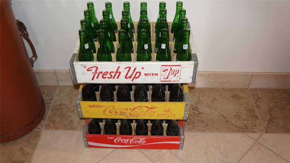Lot of three vintage wooden soda bottlers crates with period bottles. - Front 3/4 - 179028
