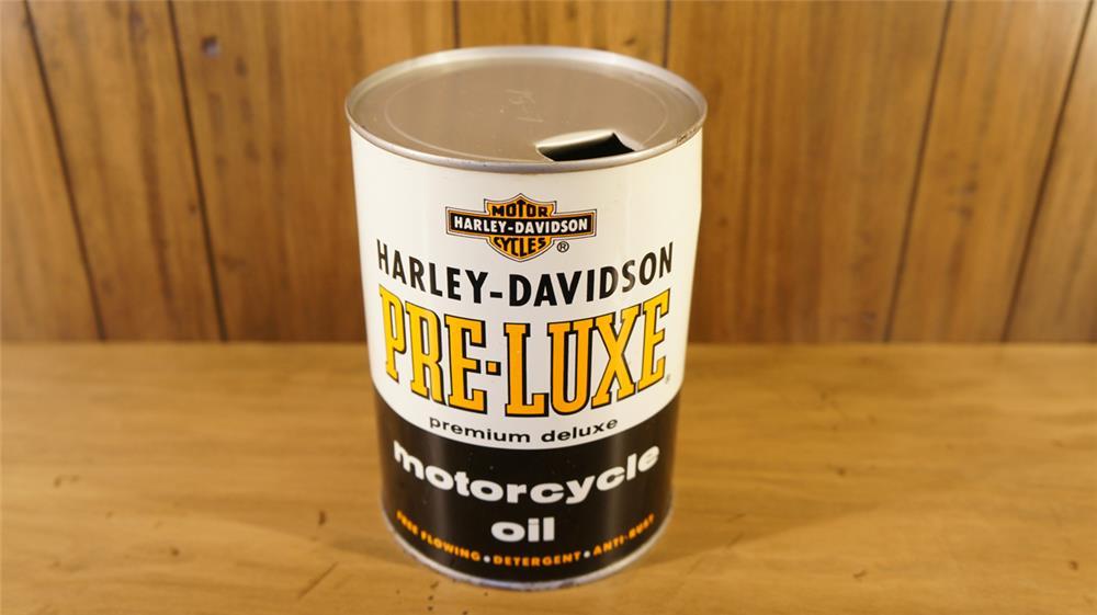 Nifty 1950's Harley Davidson Pre-Luxe (Premium Deluxe) Motorcycle Oil metal quart can. - Front 3/4 - 179090