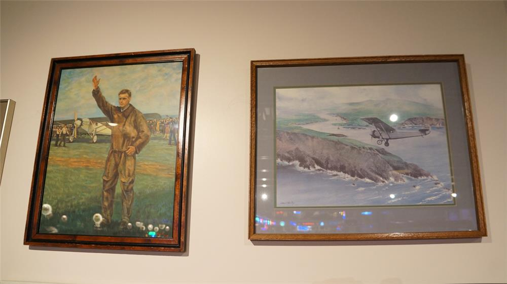Lot of two Charles Lindbergh Landing in Paris lithographs by F.R. Harper and John T McCoy. - Front 3/4 - 179181