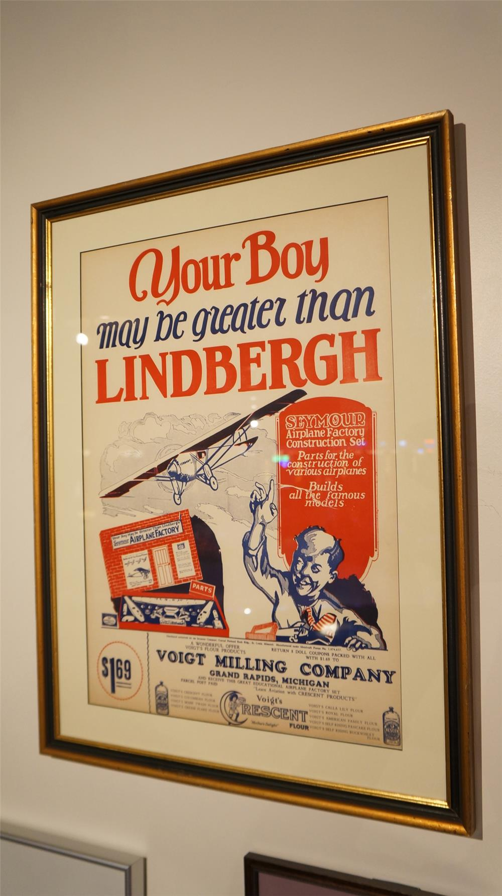 1920's Voight Milling and Seymour airplane construction set advertising poster. - Front 3/4 - 179237
