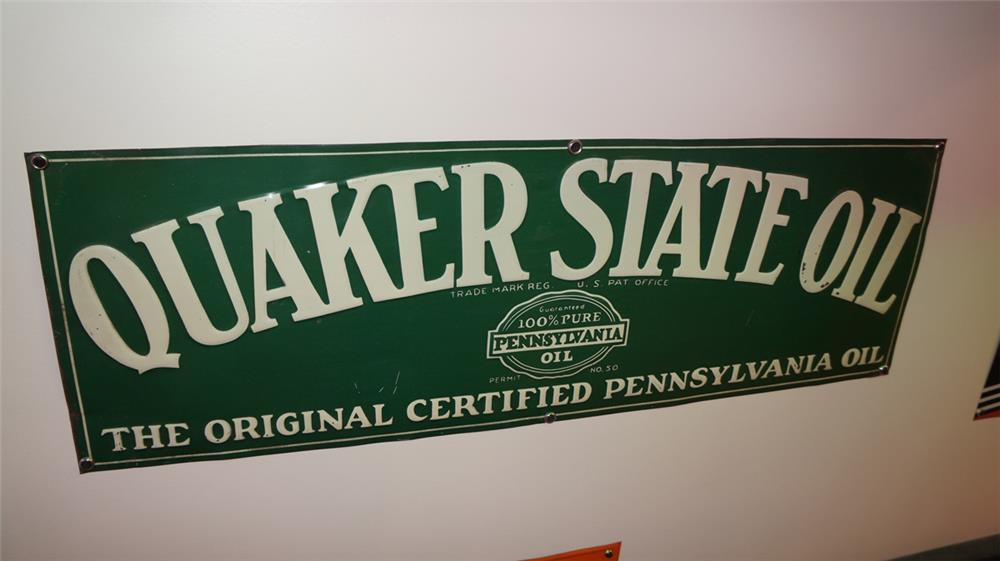 N.O.S. 1930's Quaker State Oil single-sided embossed tin filling station sign. - Front 3/4 - 179338