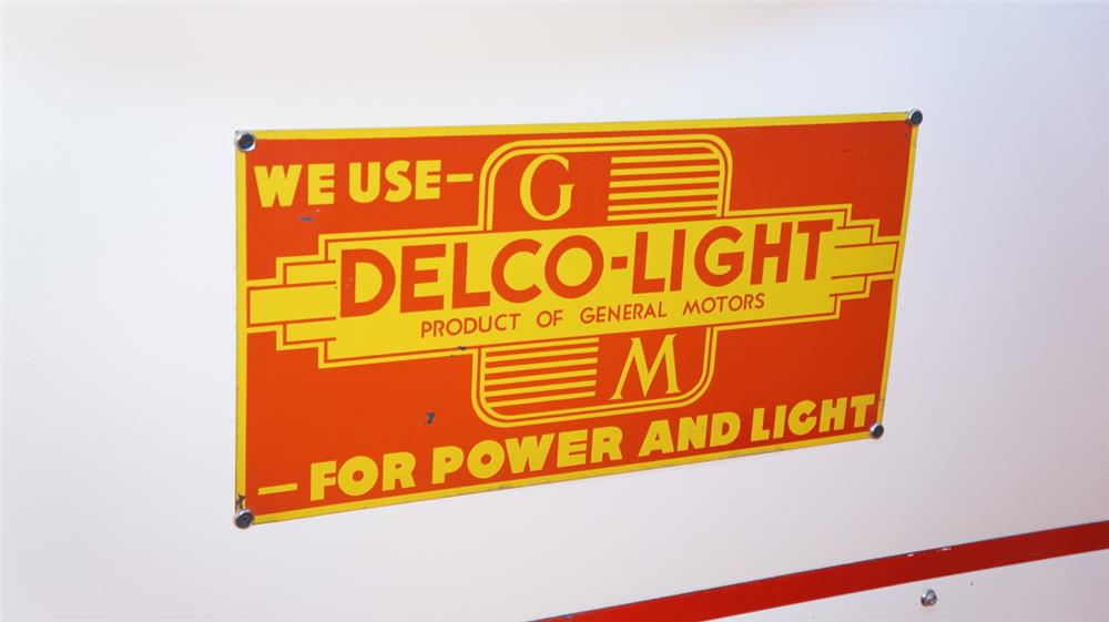 1930's GM Delco-Light single-sided tin sign. - Front 3/4 - 179384