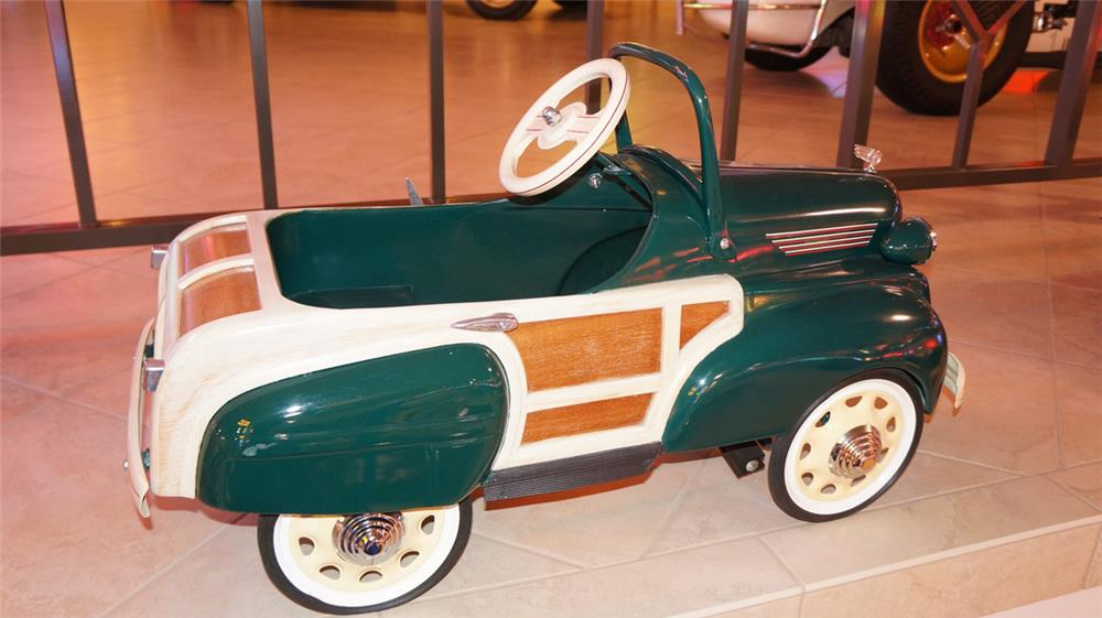"""1940s Murray Chrysler Town and Country """"woody"""" wagon pedal car - Front 3/4 - 179454"""
