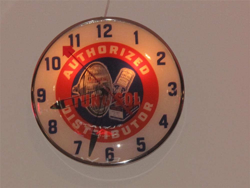 1950's Tung-Sol Authorized Distributor glass faced light-up service station clock with wonderful graphics by Telechron. - Front 3/4 - 179503