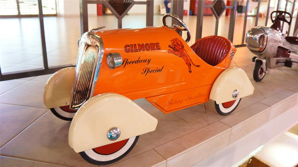 Spectacular 1930's Gilmore Speedway Special pedal car manufactured by Skippy. - Front 3/4 - 179653