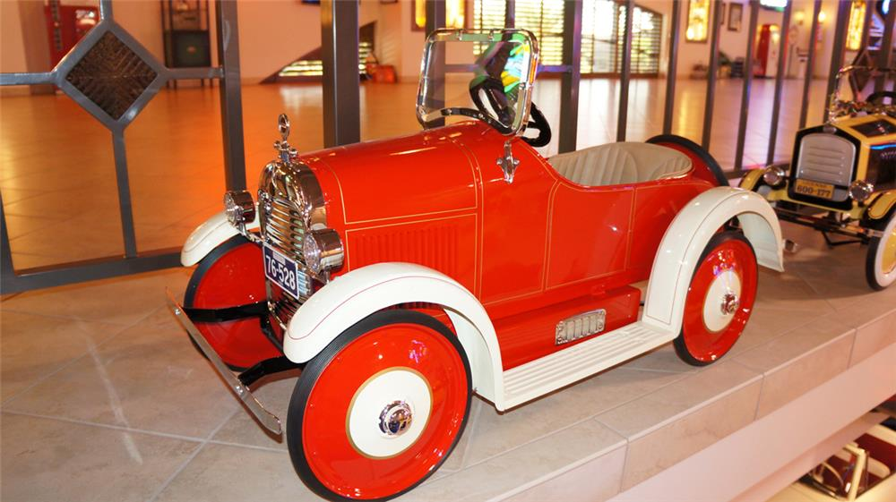 Very uncommon 1924 Steelcraft Roadster fully restored to day one condition. - Front 3/4 - 179678