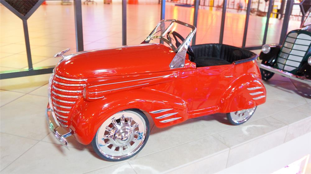 1939 Auburn Pioneer Roadster by American National. - Front 3/4 - 179723