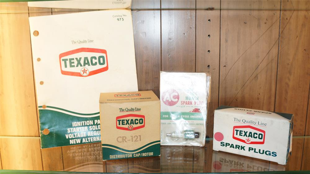 Lot of four 1960's Texaco Oil service station items - Front 3/4 - 180078