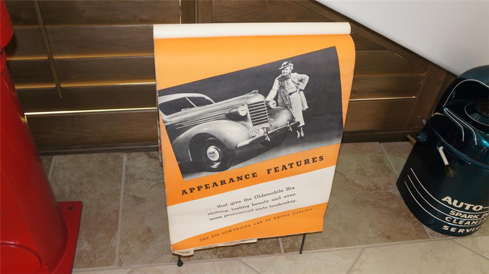 Fabulous 1935 Oldsmobile showroom flip board of Appearance Features - Front 3/4 - 180089