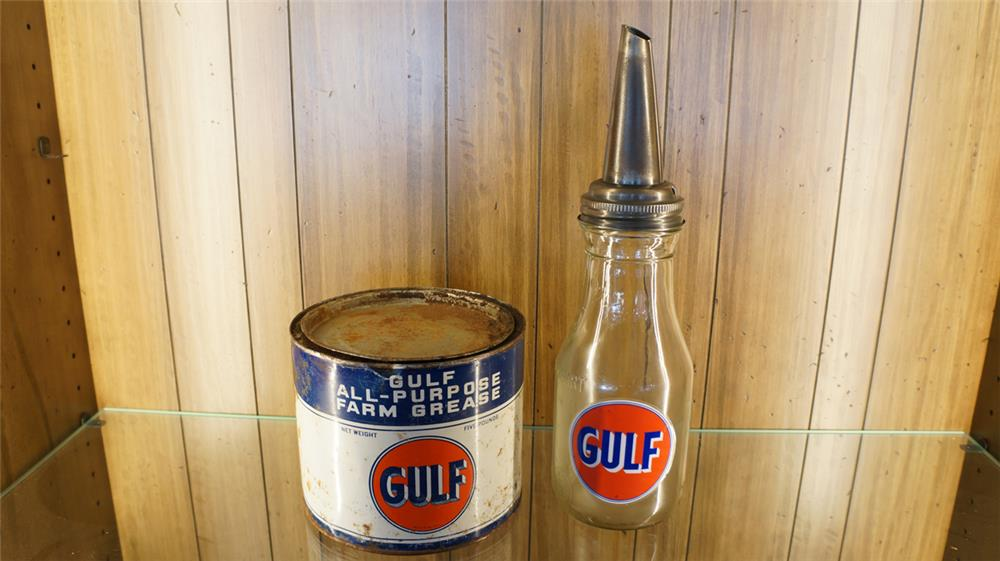 Lot of two 1930'-40's Gulf Oil items. - Front 3/4 - 180102